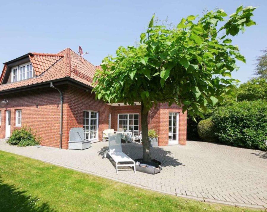freistehende Ausnahmeimmobilie für Ihre Familie - mit weiterem Baugrundstück! - Gartenansicht