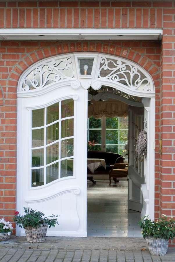 freistehende Ausnahmeimmobilie für Ihre Familie - mit weiterem Baugrundstück! - Eingang