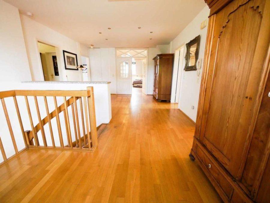 freistehende Ausnahmeimmobilie für Ihre Familie - mit weiterem Baugrundstück! - obere Etage
