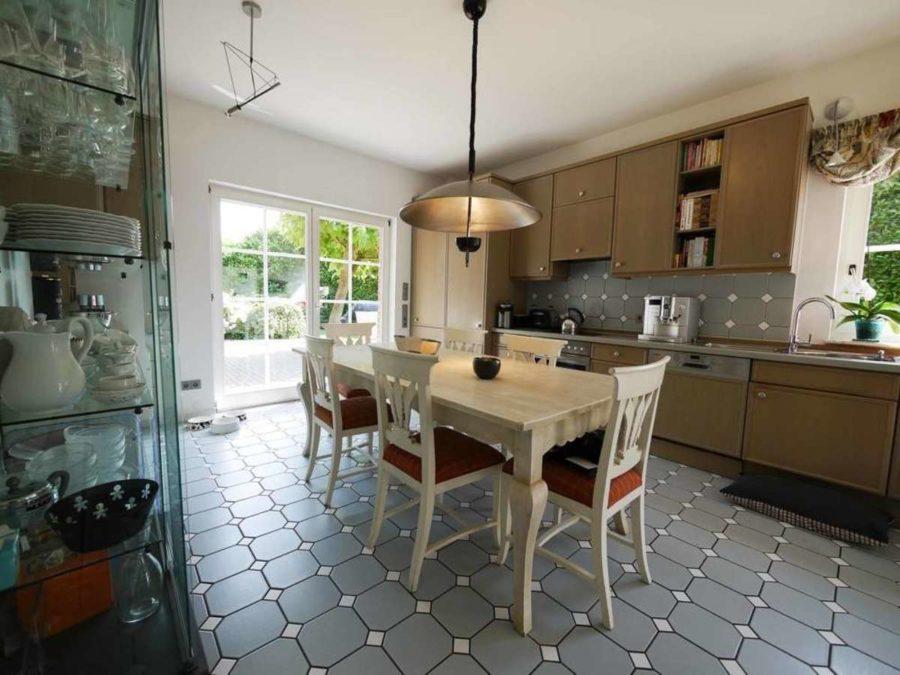 freistehende Ausnahmeimmobilie für Ihre Familie - mit weiterem Baugrundstück! - Küche