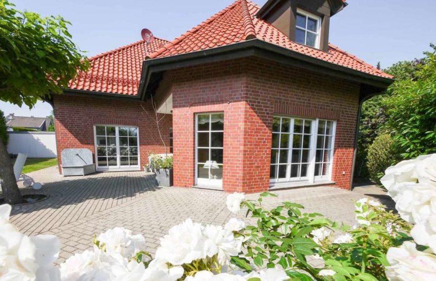 freistehende Ausnahmeimmobilie für Ihre Familie - mit weiterem Baugrundstück! - Foto_2535.jpg