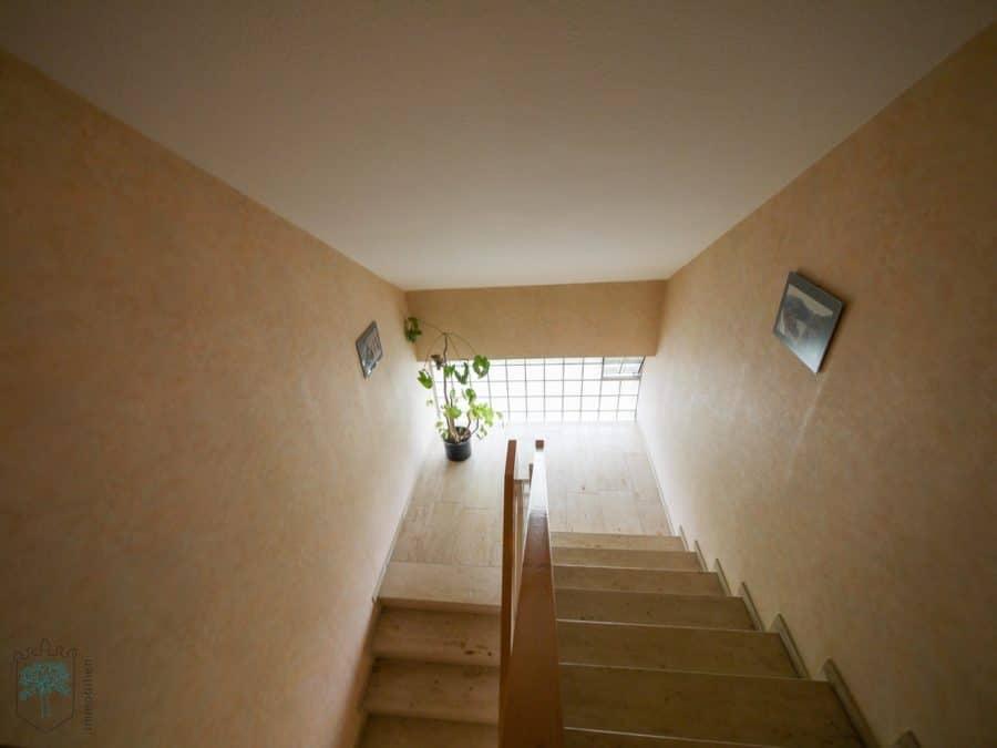 ***Helles Appartement mit herrlicher Aussicht - Treppenhaus