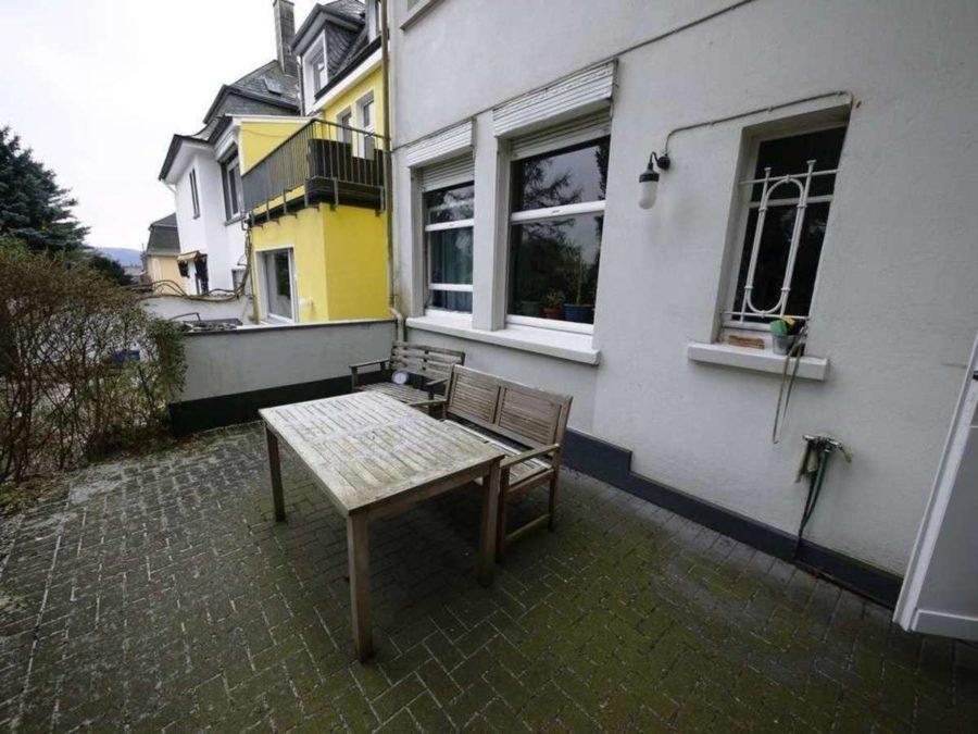 *** Dreifamilienhaus mit Renditesteigerungs-Potenzial - EG-Terrasse