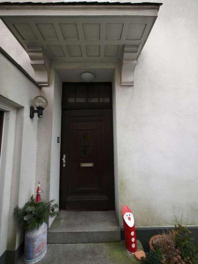 *** Dreifamilienhaus mit Renditesteigerungs-Potenzial - estateImage584445373158016877