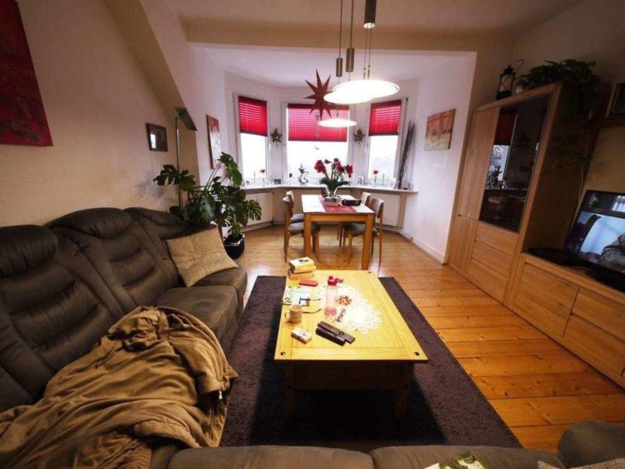 *** Dreifamilienhaus mit Renditesteigerungs-Potenzial - DG-Wohn-Esszimmer