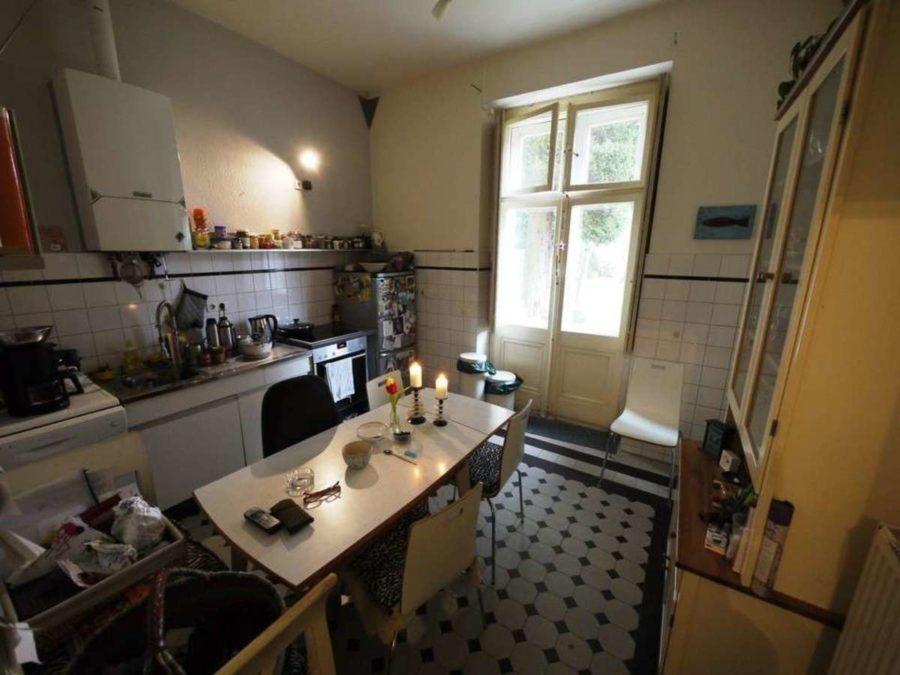*** Dreifamilienhaus mit Renditesteigerungs-Potenzial - EG-Küche