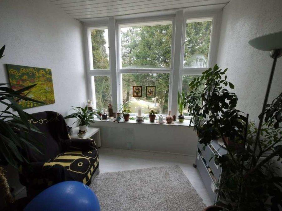 *** Dreifamilienhaus mit Renditesteigerungs-Potenzial - 1.OG-Wohnzimmer-Leseecke
