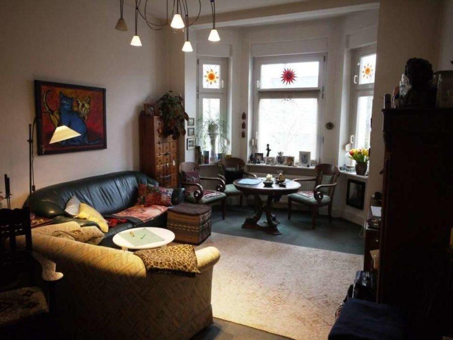 *** Dreifamilienhaus mit Renditesteigerungs-Potenzial - EG-Wohnzimmer