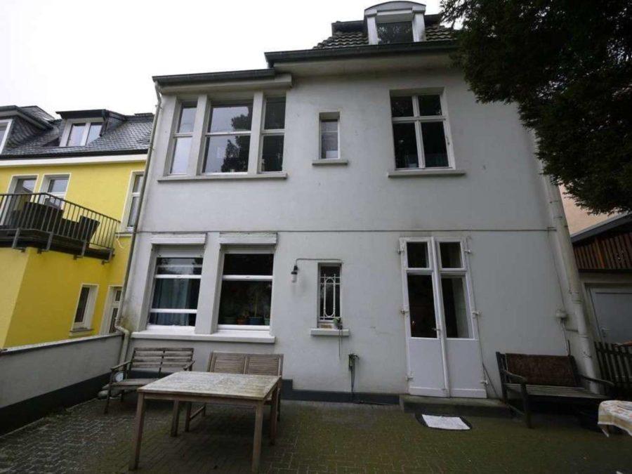*** Dreifamilienhaus mit Renditesteigerungs-Potenzial - estateImage2032754657832009325